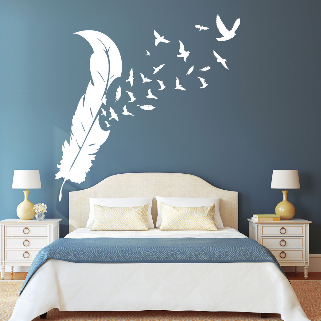 Feder mit v geln wandtattoo for Stickers muraux pour chambre adulte